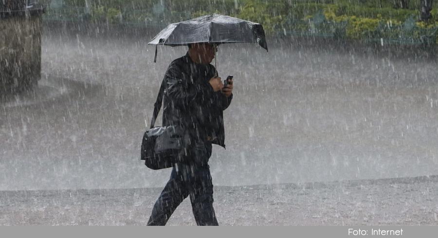 Photo of Las lluvias arrecian en el Oriente Antioqueño, 6 municipios están en alerta naranja