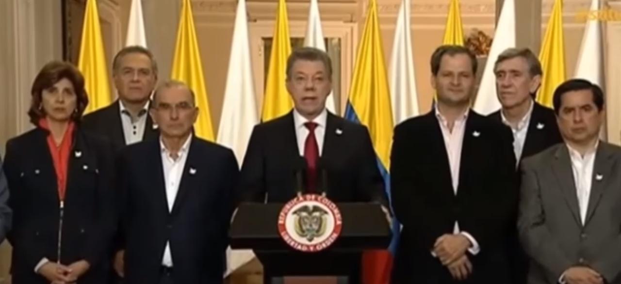 Photo of Santos convoca a partidos tras derrota del Sí en el plebiscito