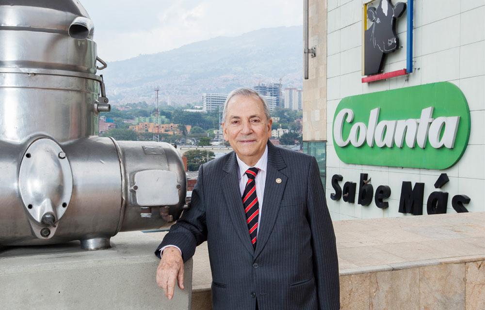 Photo of Luego de 43 años Jenaro Pérez renuncia  a la gerencia de Colanta