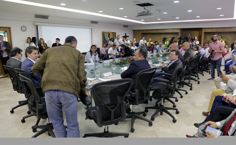 Photo of Gobernación de Antioquia Institucionalizó para el departamento el programa BanCO2, liderado por Cornare