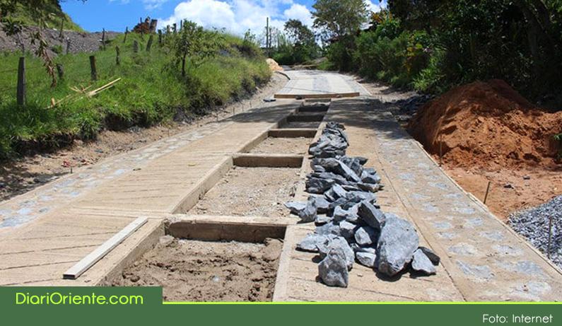 Photo of 17 veredas de Marinilla se beneficiaran con la construcción de 4 km de placa huella.