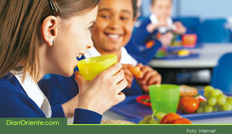 Photo of Pese al recorte presupuestal del gobierno al PAE, en Rionegro 17.000 estudiantes siguen recibiendo la alimentación escolar.