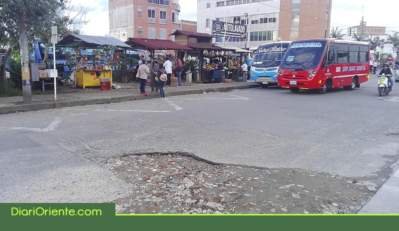 Photo of Comunidad advierte sobre el mal estado de la malla vial en Rionegro
