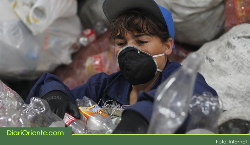 Photo of Fundación Grupo Familia ayuda a formalizar a los recicladores del municipio de Rionegro