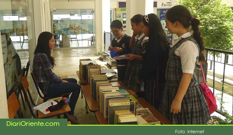Photo of En La Ceja se incentiva el uso de las bibliotecas, en lo que va del año ya son 27.300 usuarios.