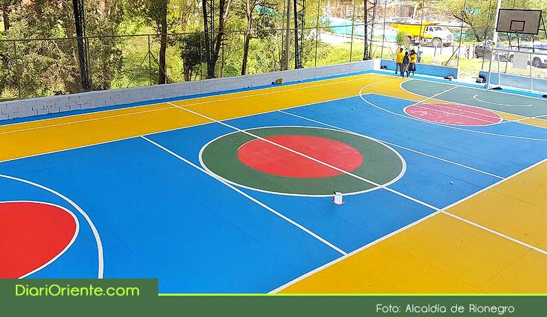 Photo of Rionegro a Color entregó la primera de más de 50 canchas polideportivas que serán transformadas
