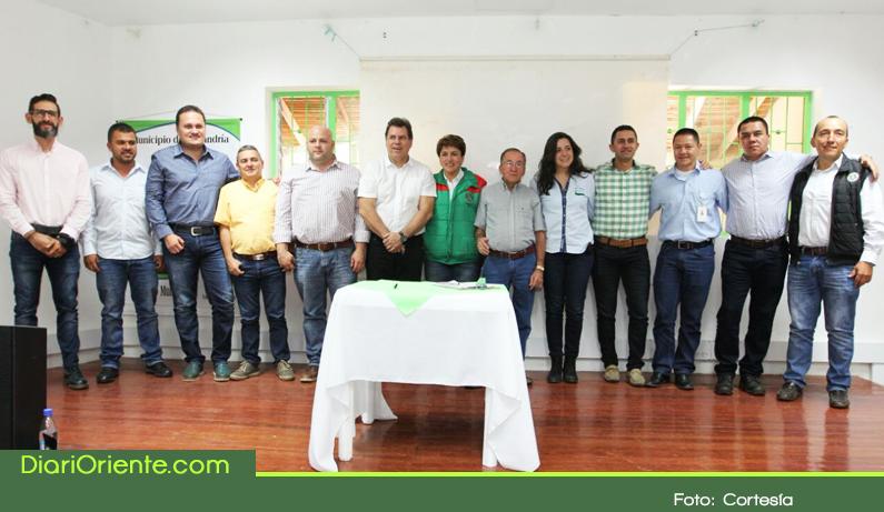 Photo of Ocho municipios del Oriente firmaron acuerdo para la creación de la Provincia Turística zona embalses