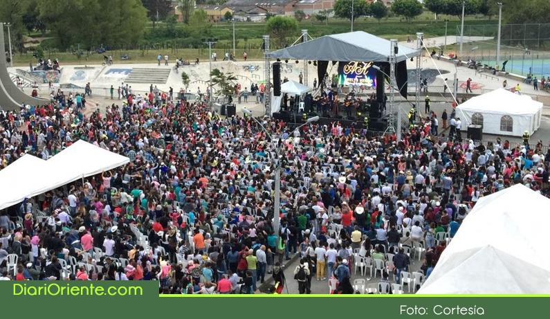 Photo of Con éxito se realizó la Feria del Campesino en Rionegro