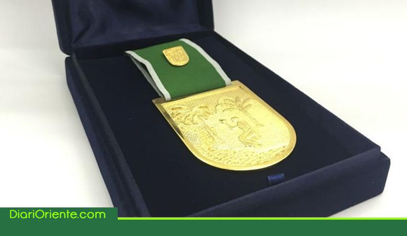 Photo of Cámara de comercio del Oriente Antioqueño recibió el Escudo de Oro de la gobernación de Antioquia
