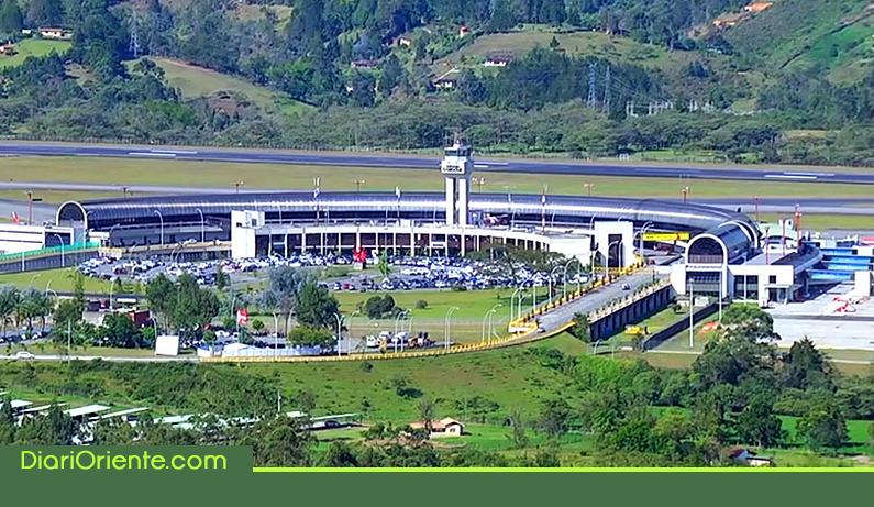 Photo of En el aeropuerto JMC dos incidentes con aves en la última semana
