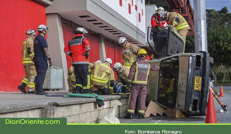 Photo of Bomberos de Rionegro recibieron capacitación en rescate vehicular