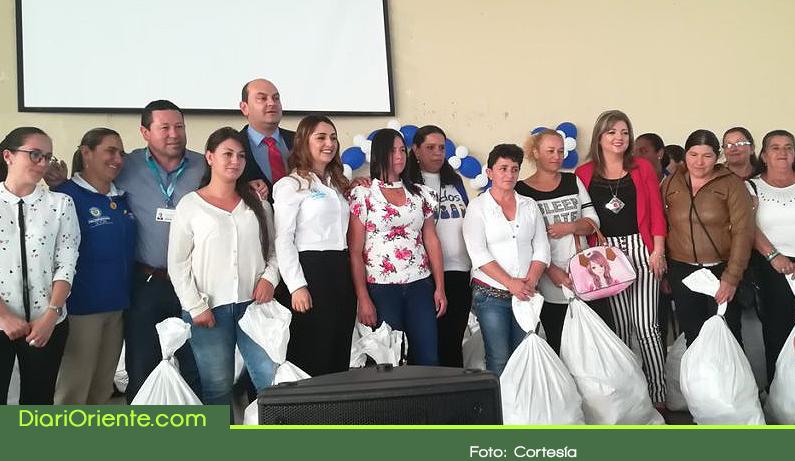 Photo of En El Carmen de Viboral 265 familias vulnerables reciben ayudas