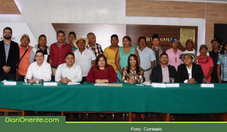 Photo of $1.453 millones entregará el programa BanCO2 a familias indígenas de Antioquia