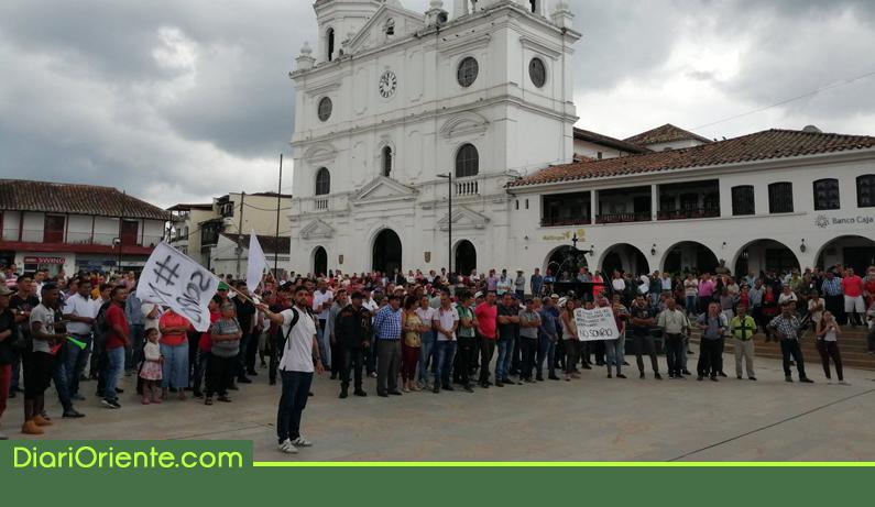 Photo of Con movilizaciones y algunas afectaciones avanza el paro en Rionegro