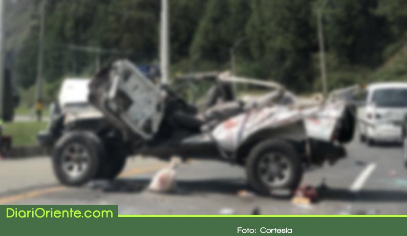 Photo of Grave accidente de tránsito en la autopista Medellín – Bogotá dejó un muerto y dos herido
