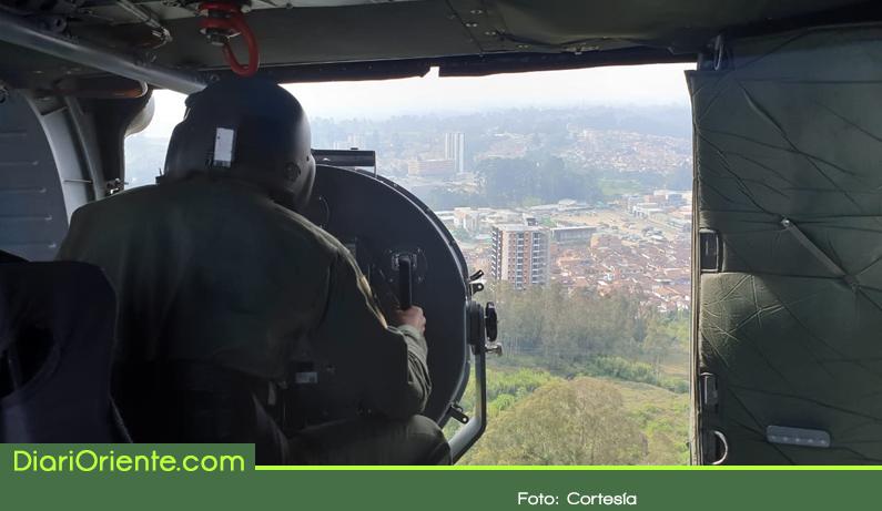 Photo of Seguridad desde aire y tierra fue brindada por la Fuerza Aérea para la implosión del edifico Altos del Lago