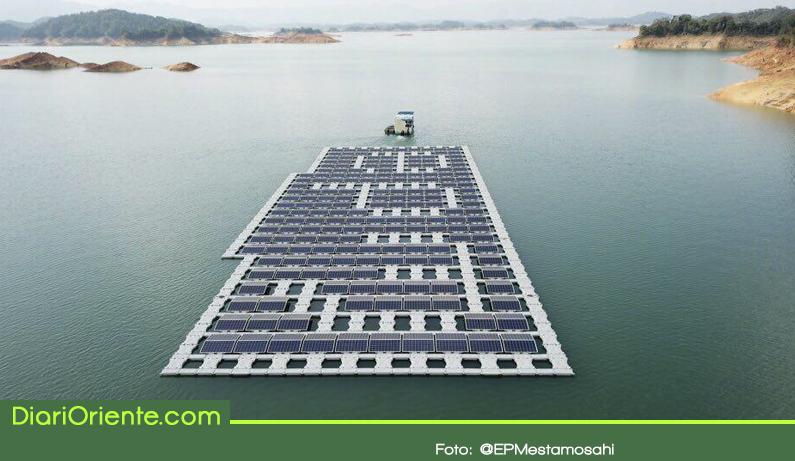 Photo of ¿En qué va el proyecto de paneles solares flotantes en el embalse Peñol – Guatapé?