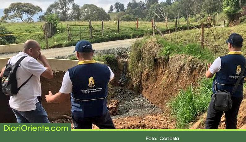Photo of Autoridades dan recomendaciones para evitar emergencias este puente de Reyes