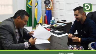Photo of Se posesionó Yeison Valderrama como el nuevo director de Provincia del Agua, Bosques y el Turismo