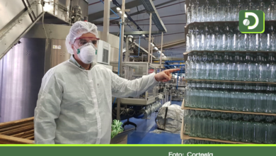 Photo of Gobernador de Antioquia anunció que donará 80 mil botellas de alcohol antiséptico a otros departamentos