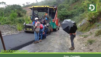 Photo of Se reactivaron las obras de pavimentación de la vía Granada – San Carlos