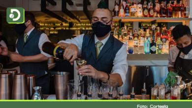 Photo of Aumentan las críticas por reapertura de bares, pero sin venta de licor.