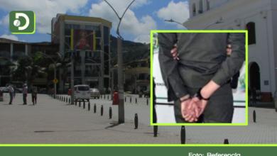 Photo of Capturan Policía en El Santuario, cuando recibía dinero de una extorsión