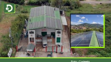 Photo of El Santuario: Asprolesa instala 150 paneles solares que generarán el 70% de la energía de su planta.