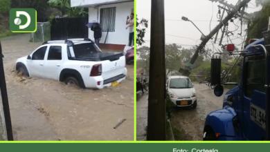 Photo of En imágenes: fuertes lluvias dejan inundaciones, árboles y postes caídos en El Retiro