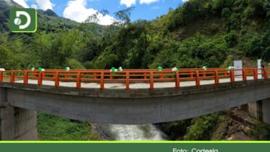 Photo of En Argelia, Gobernación entregó nuevo puente vehicular y 1.8 kilómetros de placa huella