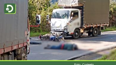 Photo of Motociclista murió luego de chocar de frente contra un vehículo de carga en la vía La Unión – Sonsón