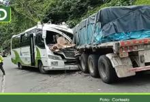 Photo of San Luis: 24 heridos dejó choque entre un bus y un tractocamión en la autopista