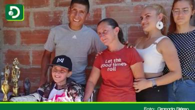 Photo of Nairo Quintana le da inolvidable sorpresa a niño en el municipio de Granada