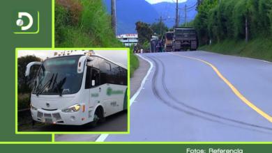 Photo of En la vía El Carmen – Rionegro atracaron un bus que transportaba empleados de la zona franca