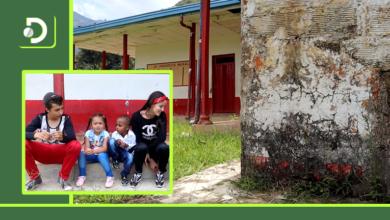 Photo of Niños de Abejorral mostraron el mal estado de su escuela: «el profesor viene una vez a la semana».